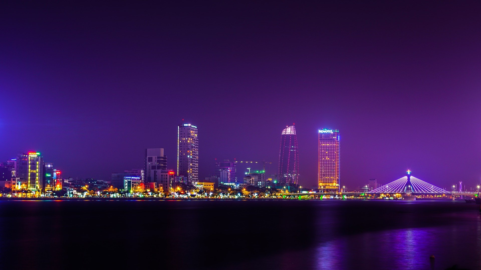 Da Nang city at night