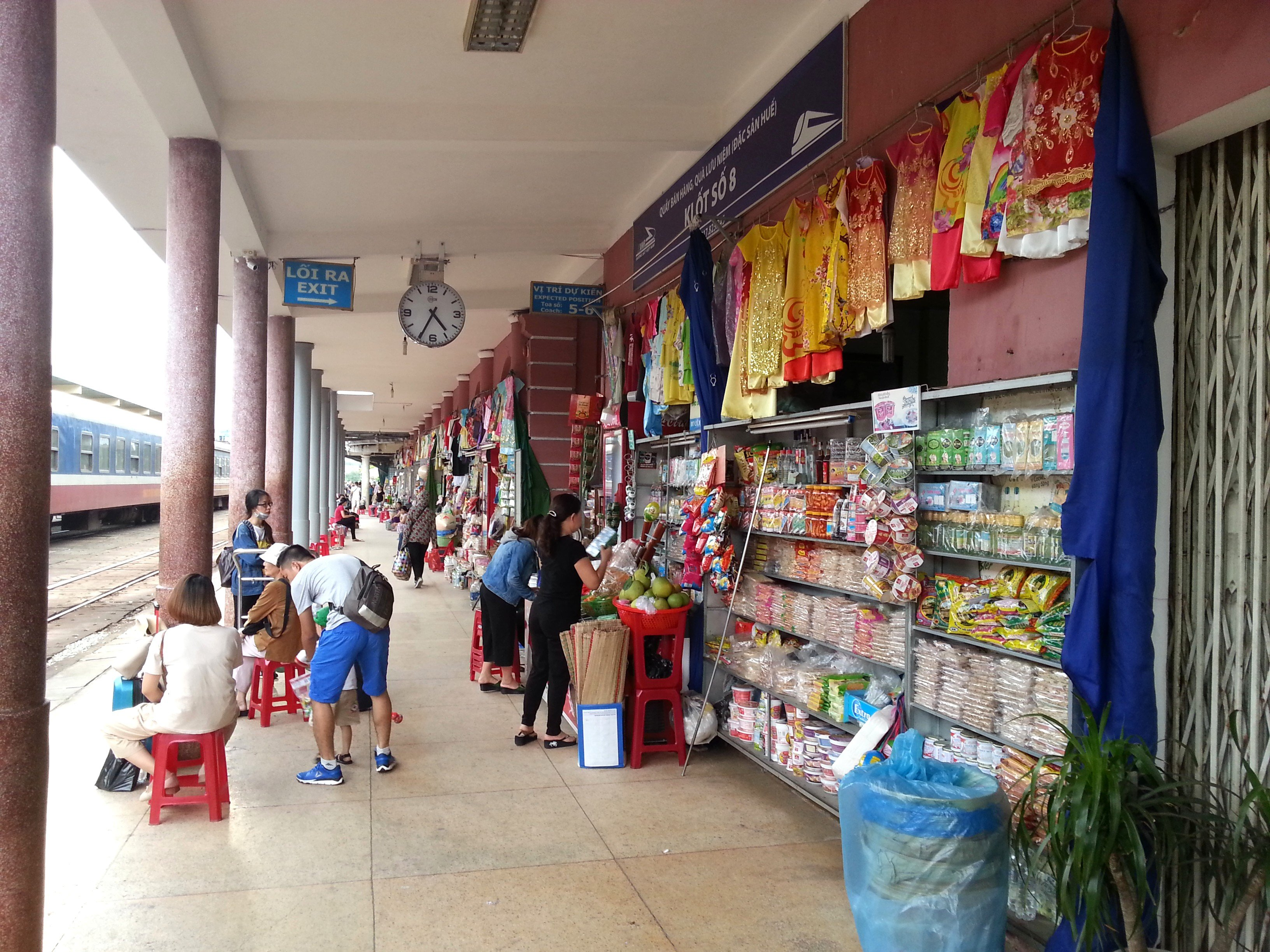 Shops on the main platform at Hue Railway Station