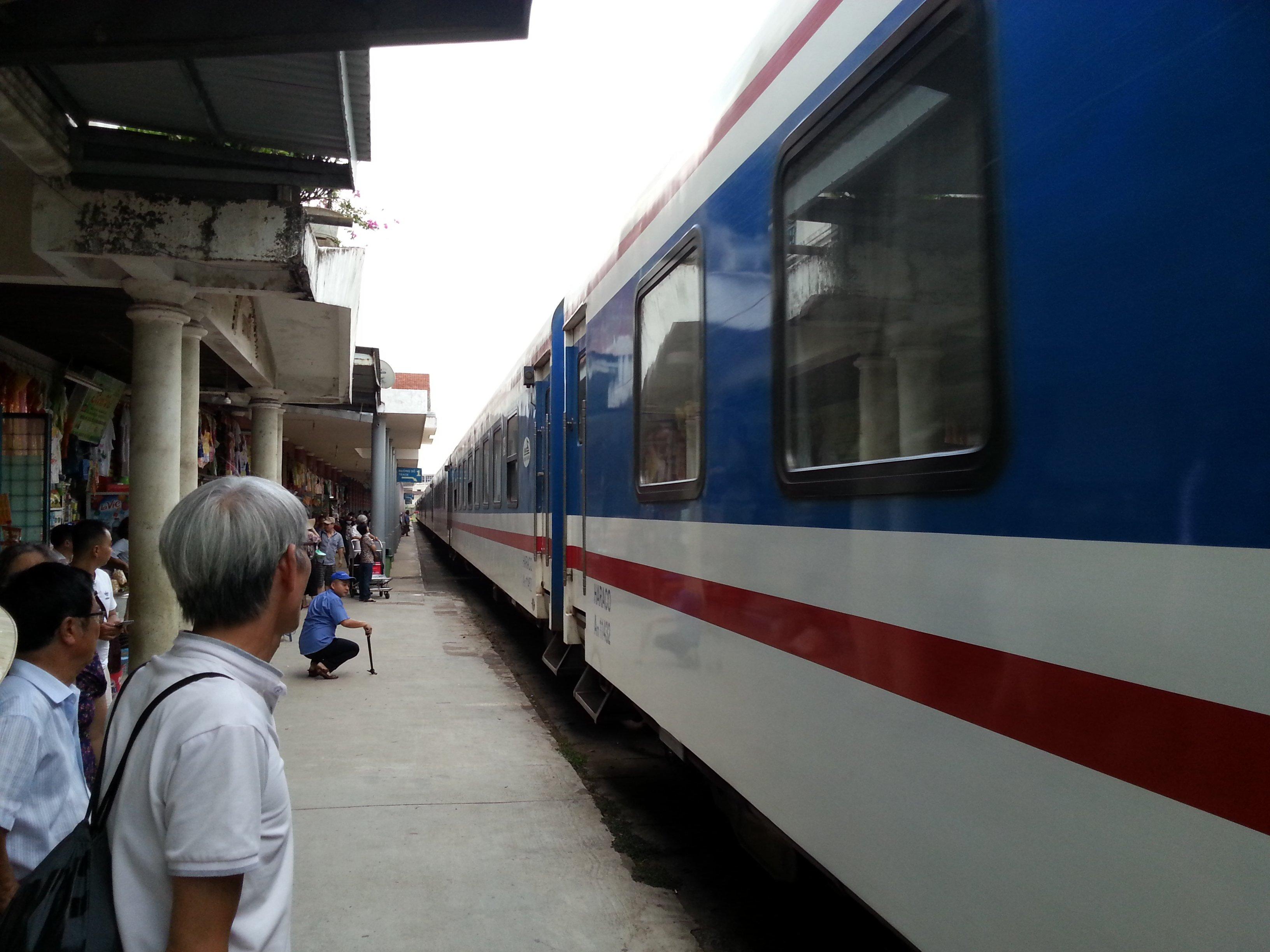 Train #SE2 at Hue Railway Station